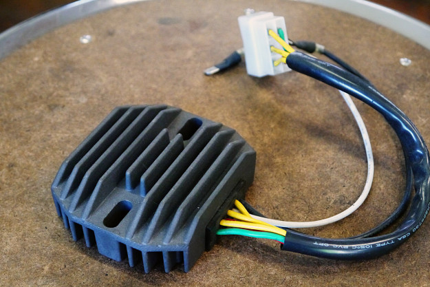 Motorcycle wiring: the regulator/rectifier.