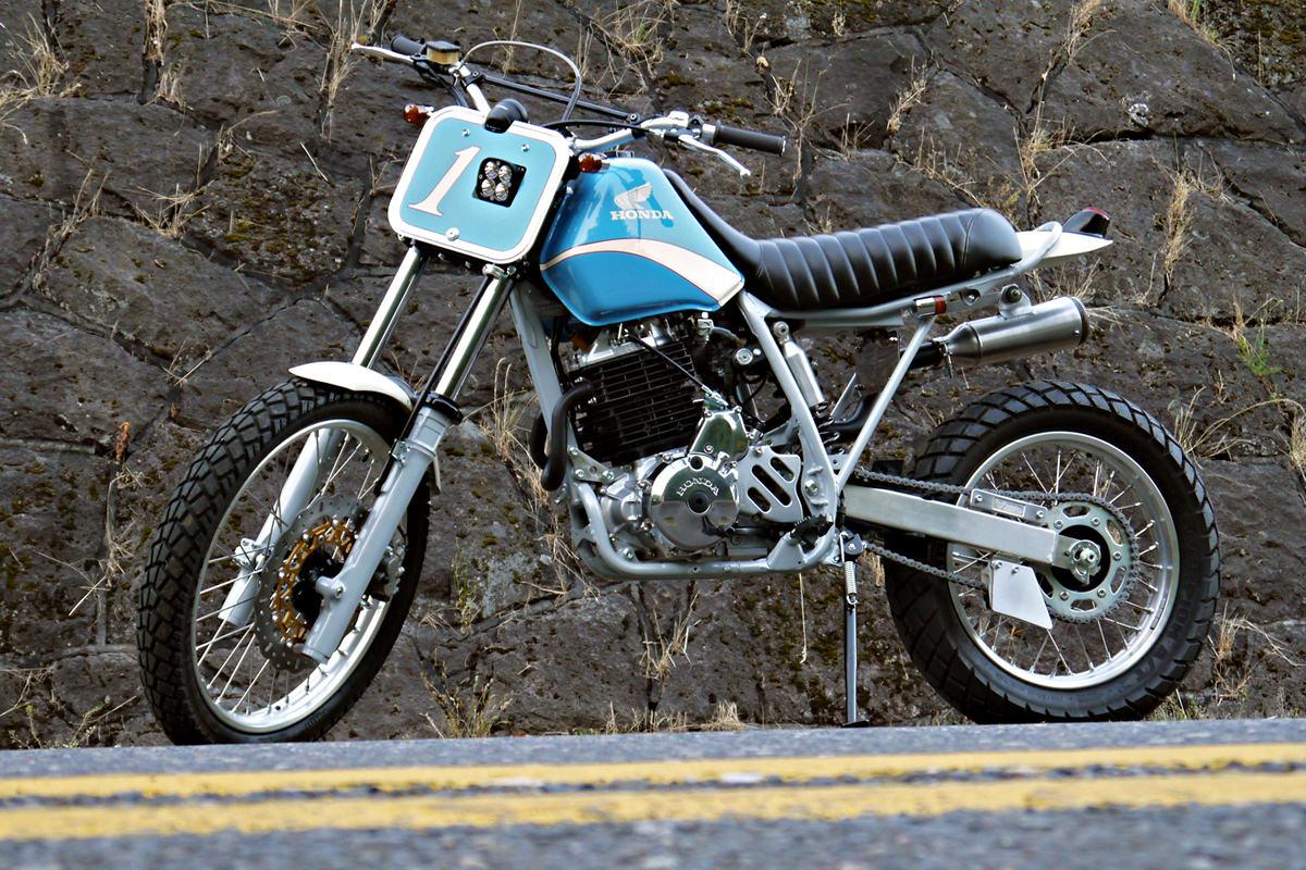 XR650L customized by Digital Directiv