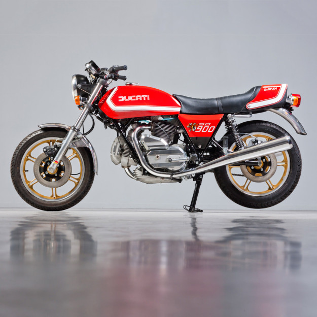 This Ducati Darmah was built from scratch in 2015 by the Dutch workshop Back To Classics, using original parts.