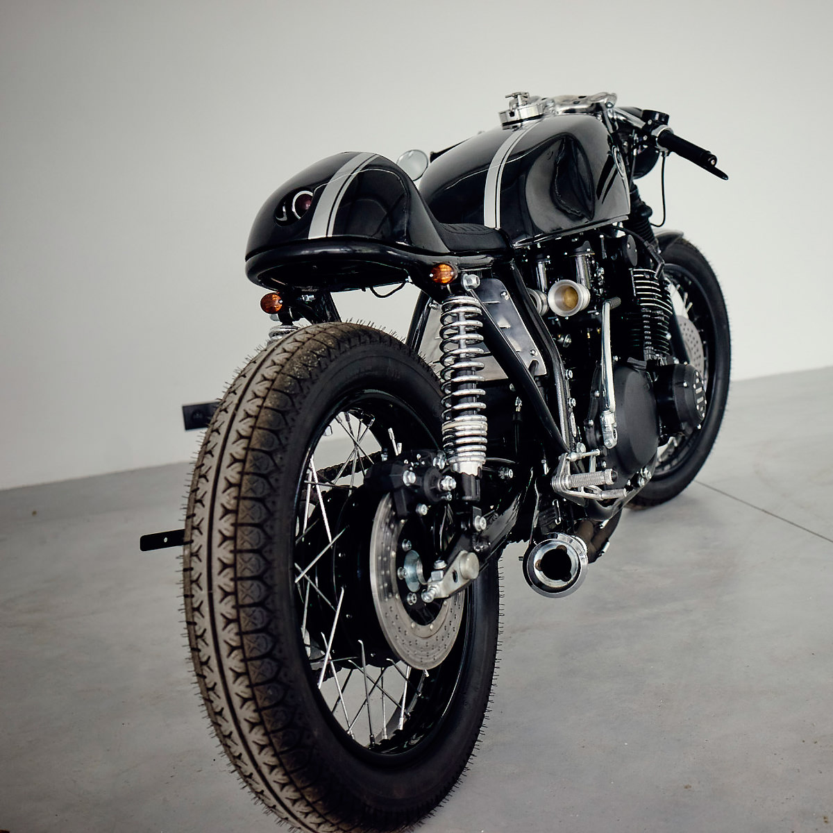 Full Size. Filed Under Custom Motorcycles TAGGED Cafe racer ...