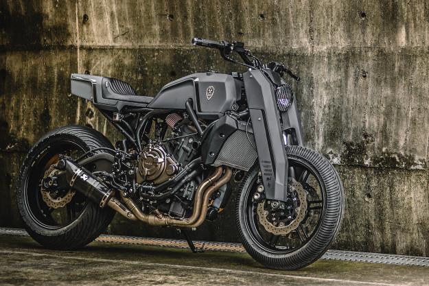 Onyx Blade: A Custom Yamaha MT-07 By Rough Crafts