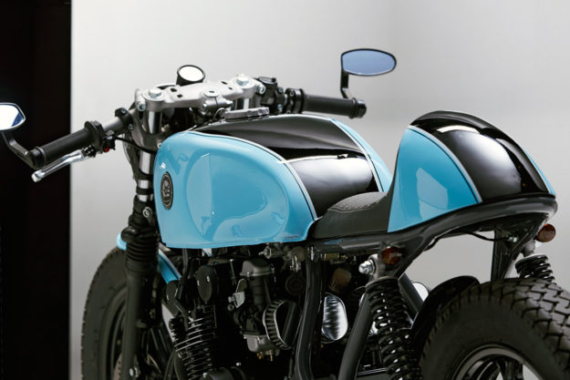 mixing it up a suzuki gs 550 cafe racer from poland. Black Bedroom Furniture Sets. Home Design Ideas