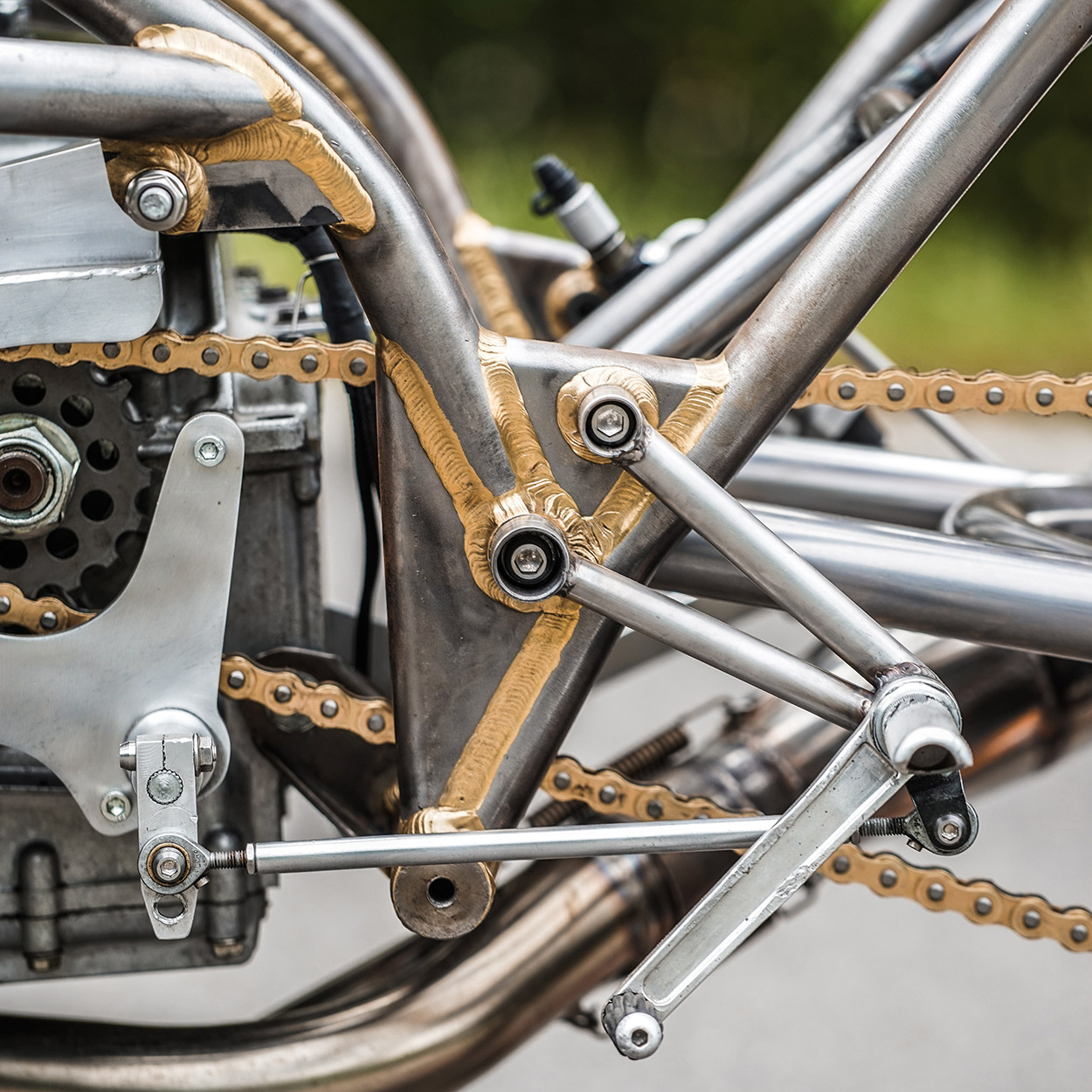 coat was taken off the manganese bronze weld seams showed their beautiful golden shine the design concept became obvious let the harris frame shine - Motorcycle Picture Frame