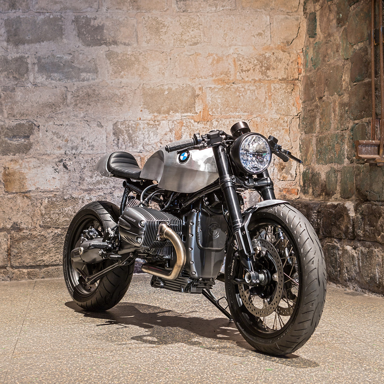 rise of the oilheads: an ice-cool bmw r1150 cafe racer | bike exif