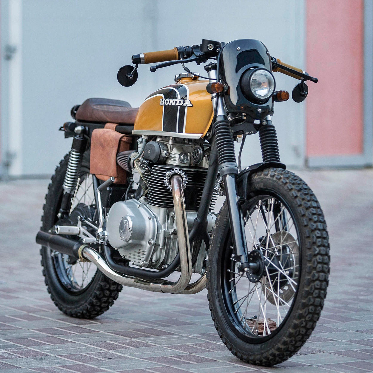 The CB350 comes stock with drum brakes, but Antonie upgraded the front end with refurbished parts from another barn find—a GB250.