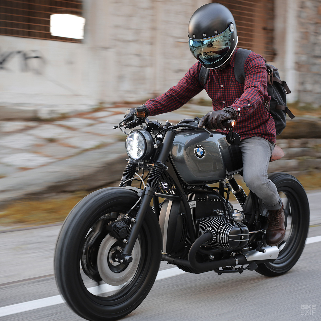 Escape Vehicle Building A BMW R80RT To Stay Sane