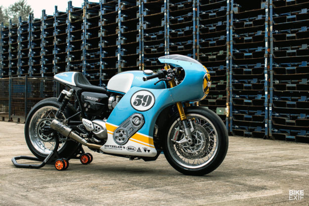 Phantom Blaze: The supercharged Triumph Thruxton R leading the Sultans of Sprint