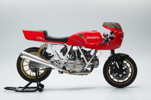TT Scale Model 1/12 Ducati model