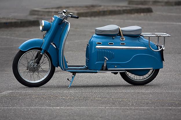 Manuhrin MK75 scooter
