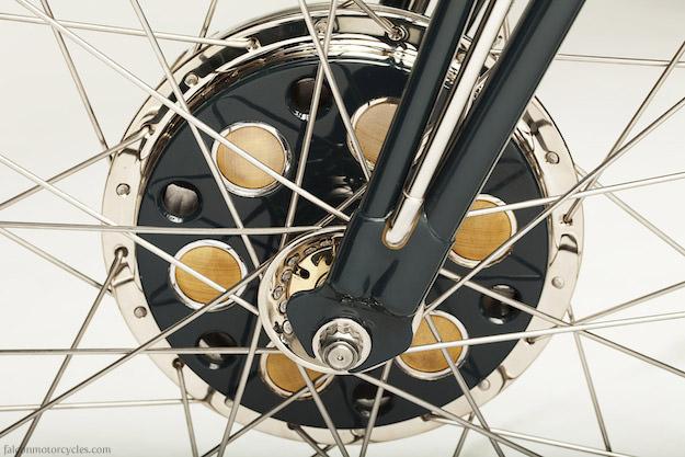 Triumph custom: Falcon Kestrel