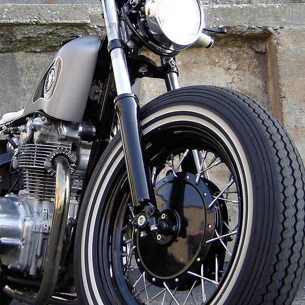 Honda CB450 bobber