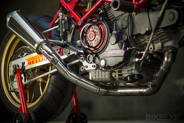 Ducati Monster M900
