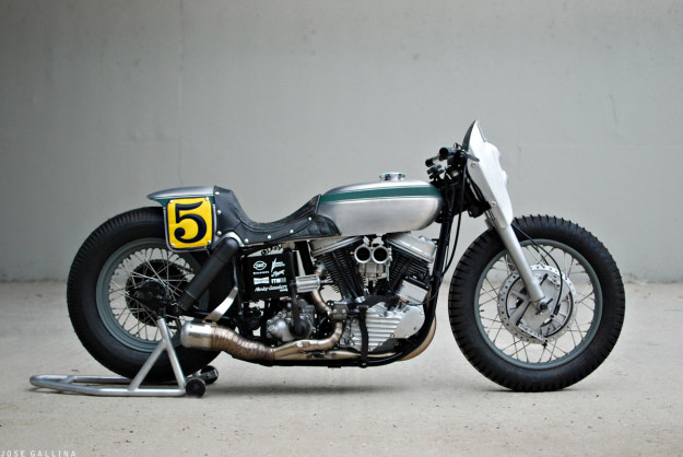 Motocycle photography: 1952 Harley Panhead