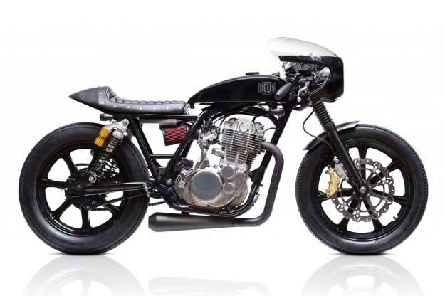 Yamaha SR400 by Deus Customs