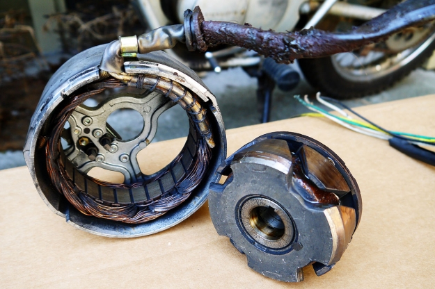 Motorcycle wiring: the stator.