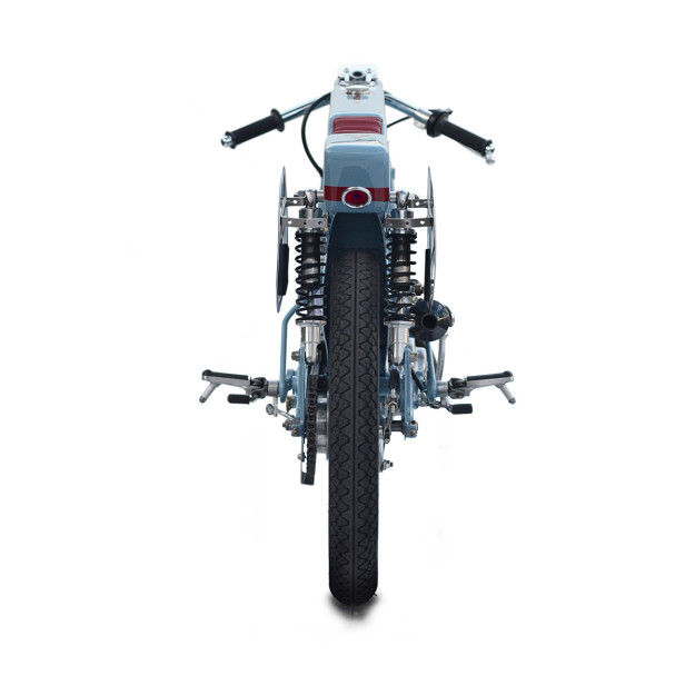Firefly: a fire-breathing Honda Super Cub racer from Deus Japan