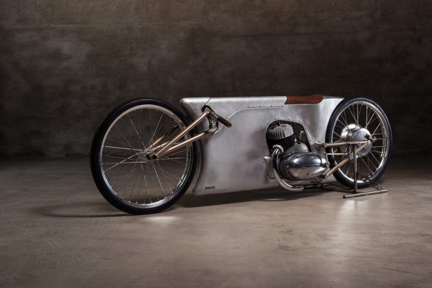 Steampunk motorcycle: A Jawa sprinter built by Urban Motor of Berlin for the Essenza sprint at Glemseck 101.
