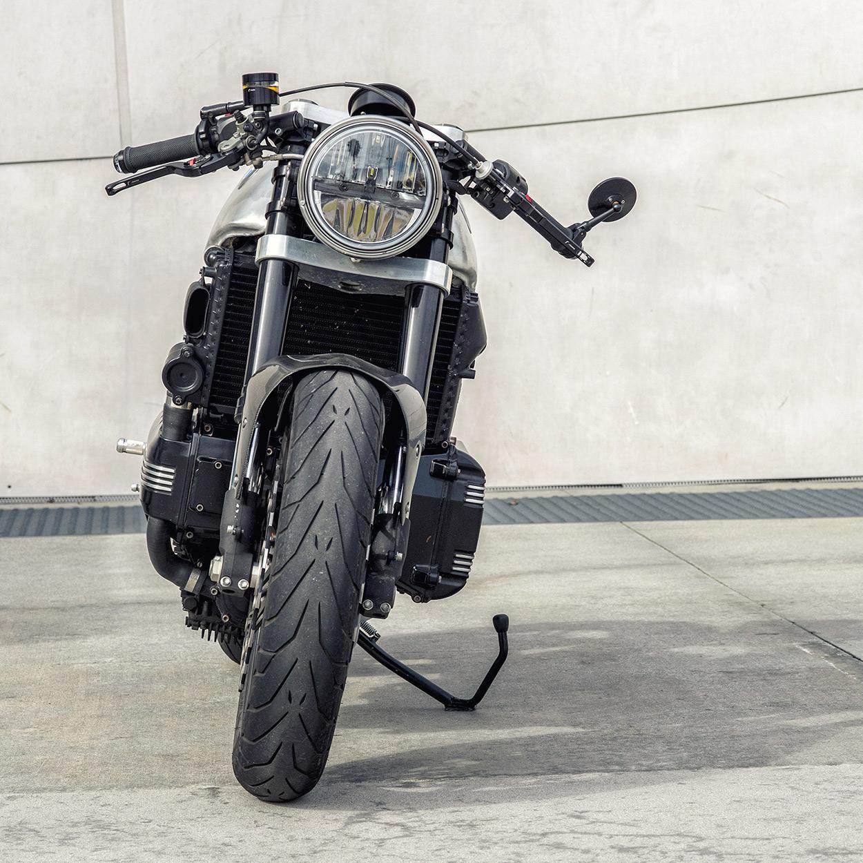 Killer K: Mike Flores' BMW K100 Cafe Racer   Bike EXIF