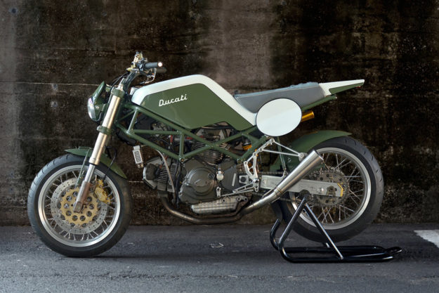 Tracker-style Ducati M900 Monster by Speedtractor of Tokyo