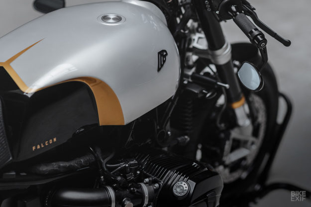 Custom BMW R nineT cafe racer by Hookie Co.
