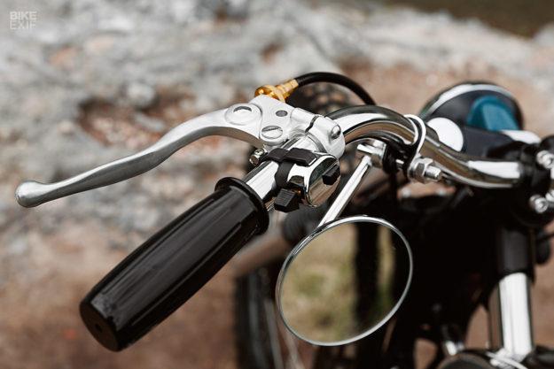 Kawasaki W650 scrambler by Mark Huang