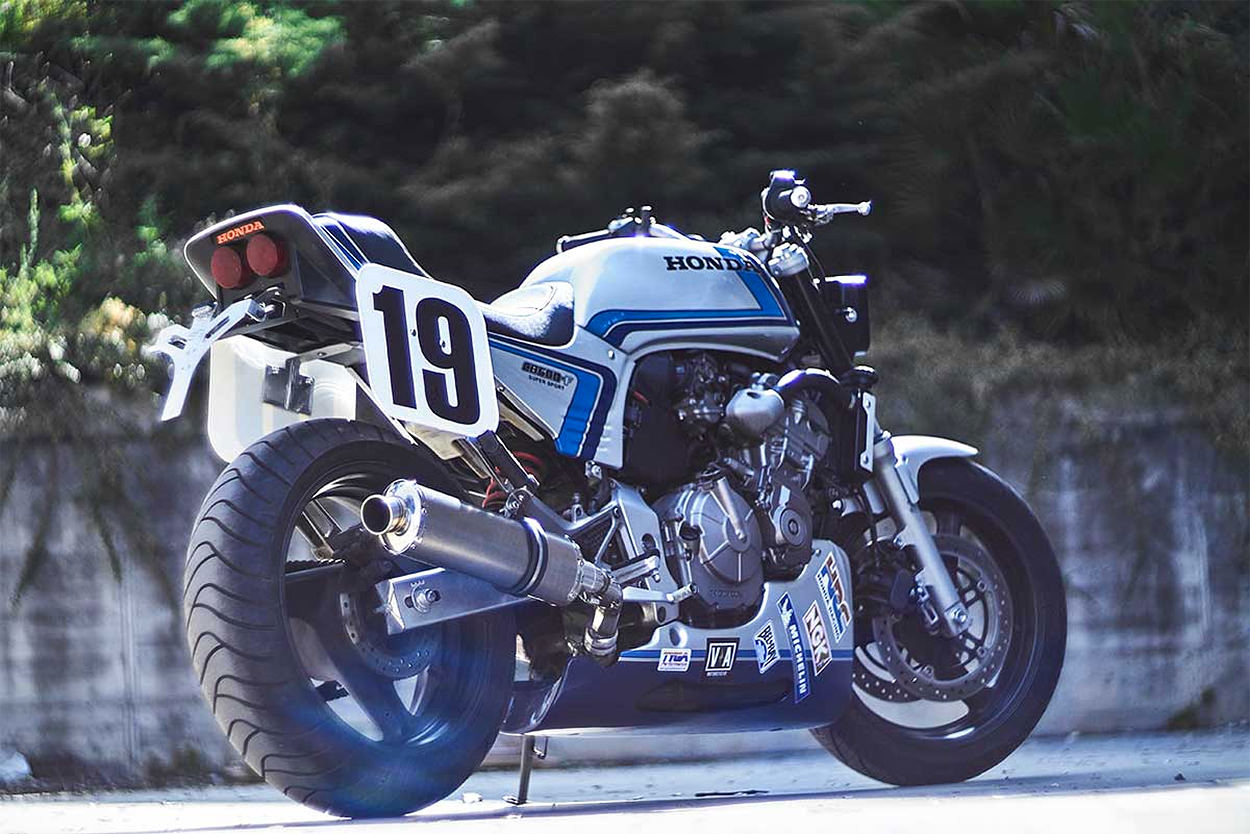 Honda Hornet 600 by Vintage Addiction and Octopus Soul Bikes