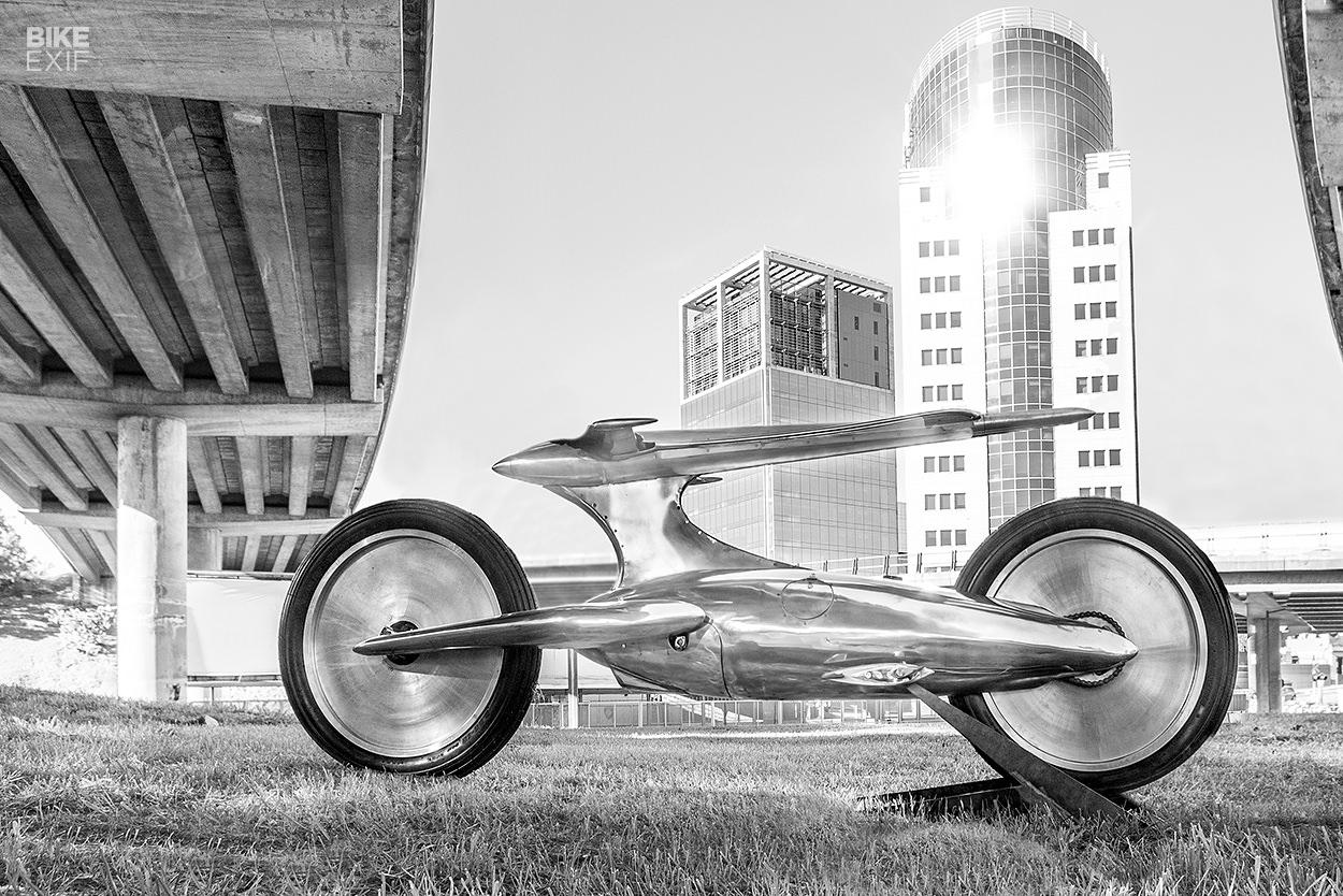 """Abandonen toda esperanza"": A futuristic motorcycle concept from Castelli AFF"