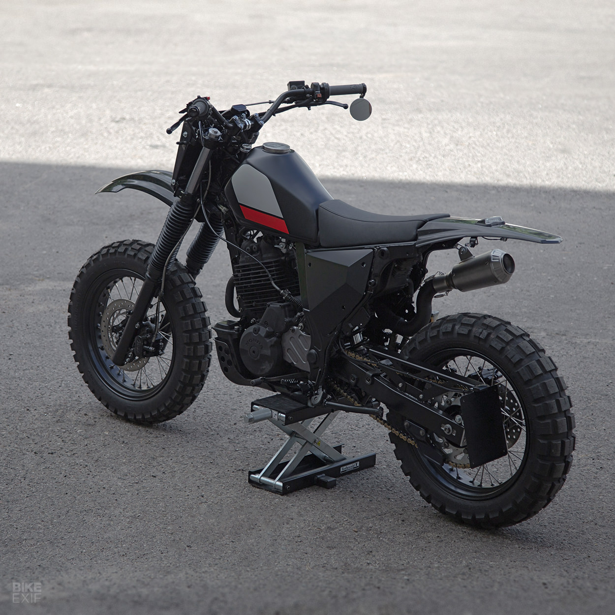 Honda NX650 Dominator by Differs of Lithuania