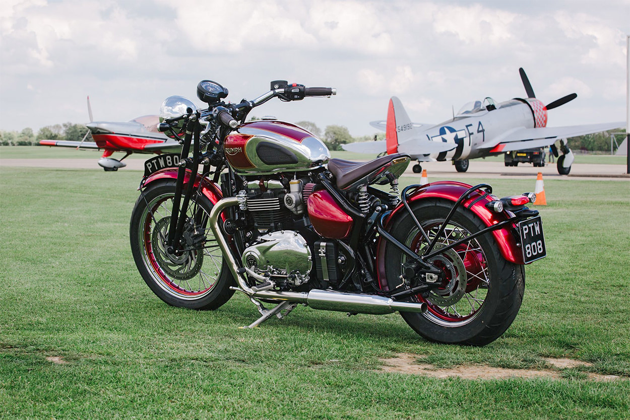 A Triumph Bobber with Speed Twin style