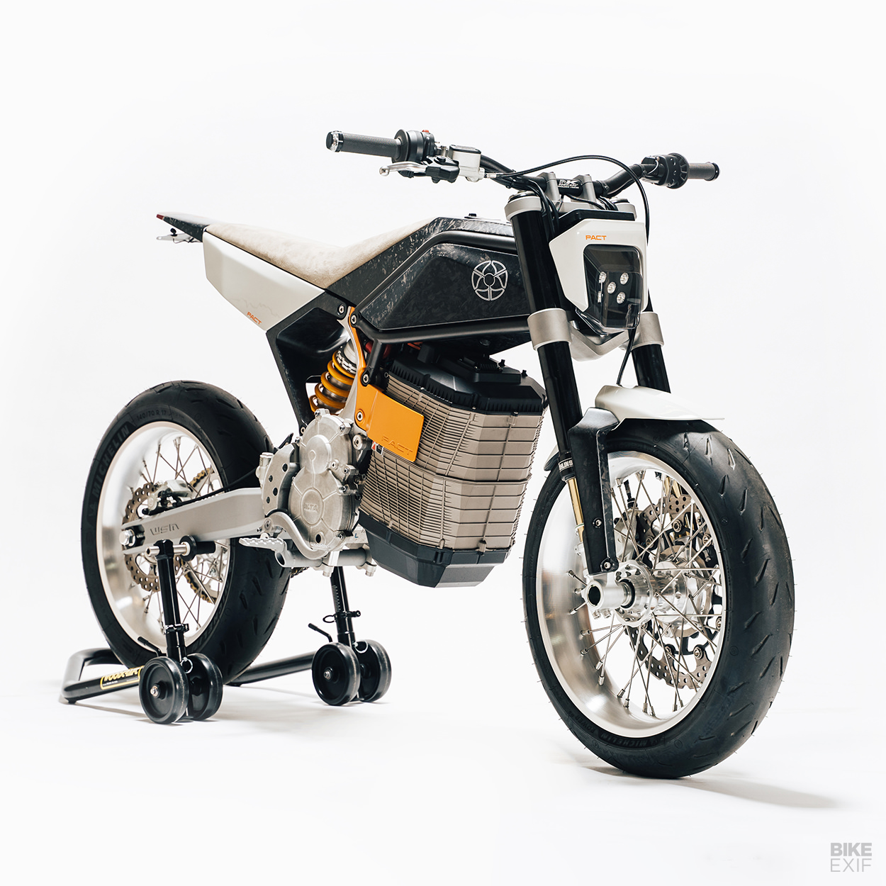 PACT: A custom Alta Redshift by Walt Siegl Motorcycles
