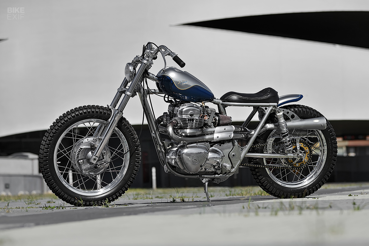 Kawasaki W650 bobber by 2LOUD Custom
