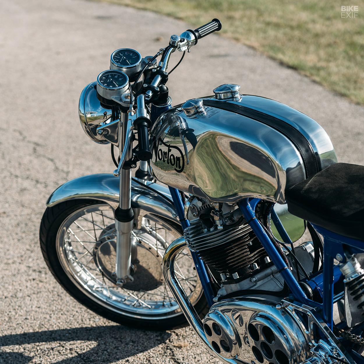 1971 Norton Commando 750 classic motorcycle restored by Retrospeed