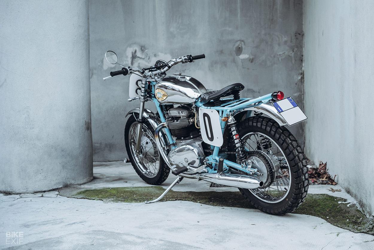 BSA Thunderbolt restomod by Soiatti Moto Classiche