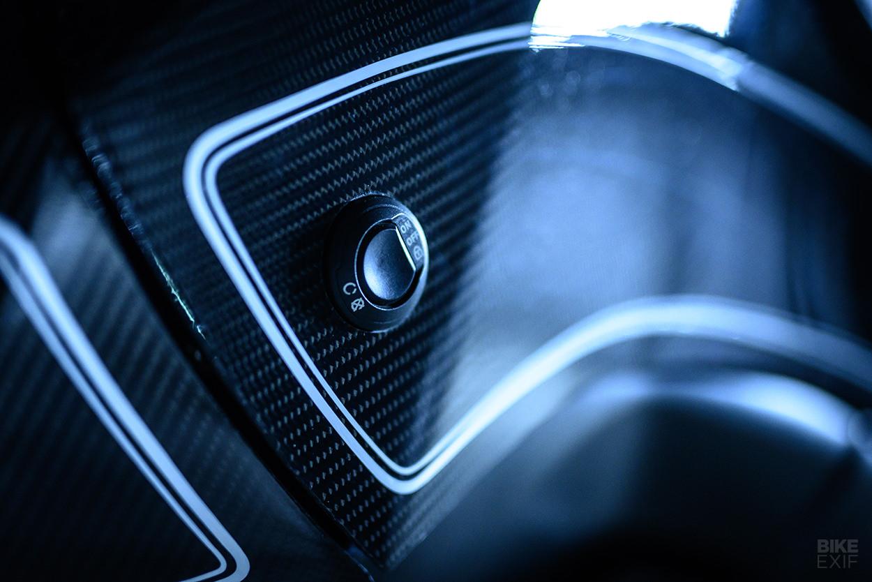 BMW K1600 B by Custom Works Zon