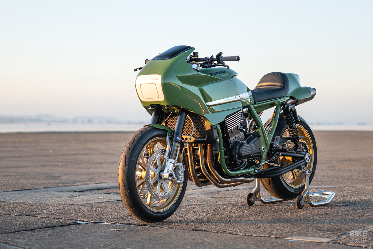 Kawasaki ZRX1200R custom by deBolex Engineering