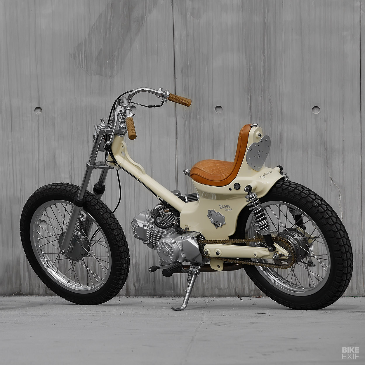 Laid Back: Proof that you can turn a Honda Cub clone into a chopper