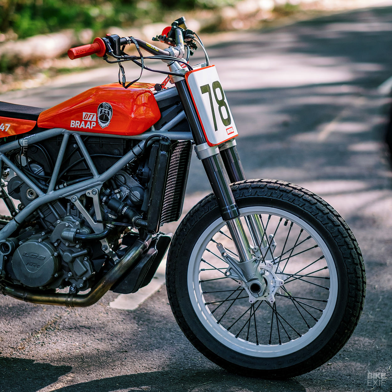 In Too Deep: A KTM 950 Supermoto flat tracker conversion