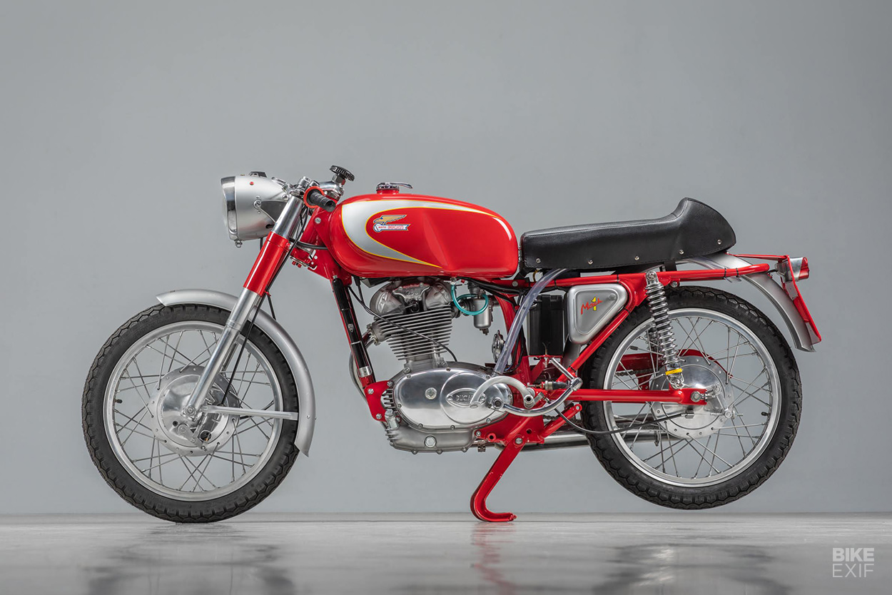 Vintage Ducati 250: A Mach 1 restored by Back To Classics