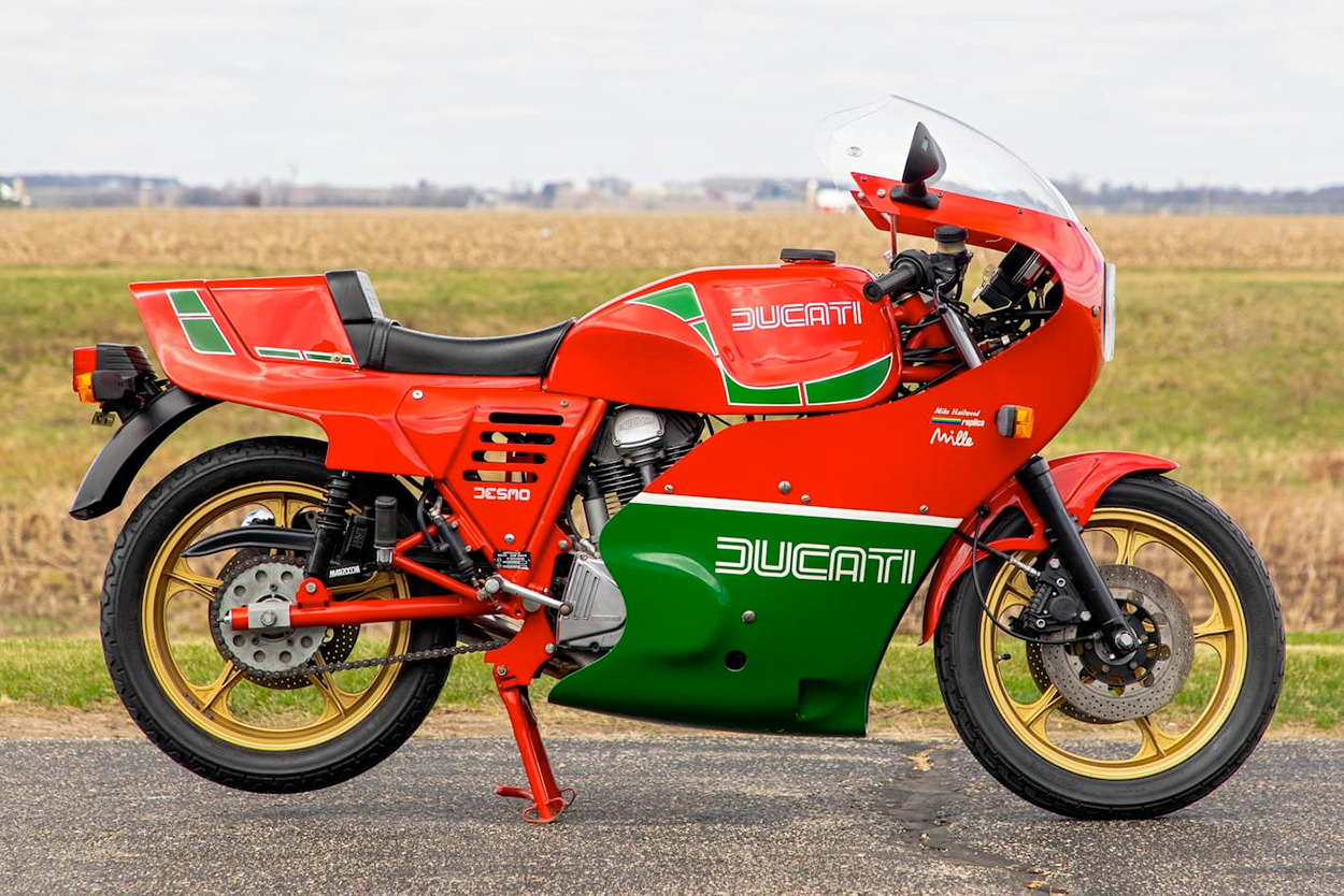 Ducati Mike Hailwood Replica