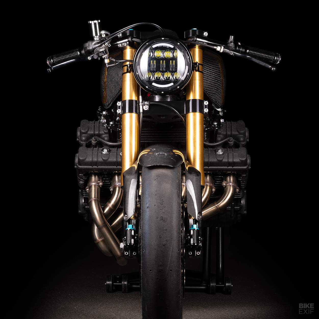 Super Six: A Honda CBX 1000 cafe racer from France