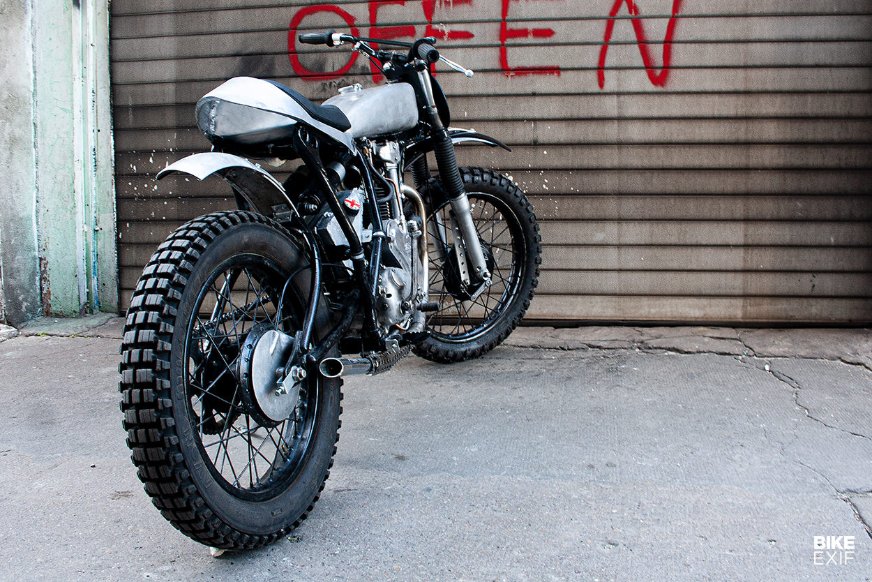 XT-CETTE: A scrambler with a Velocette MAC engine in a Yamaha XT600 frame