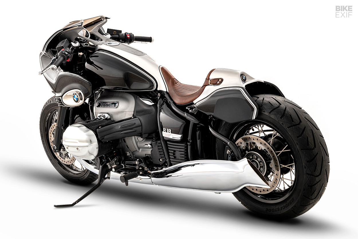Custom BMW R18 cruiser motorcycle by Blechmann