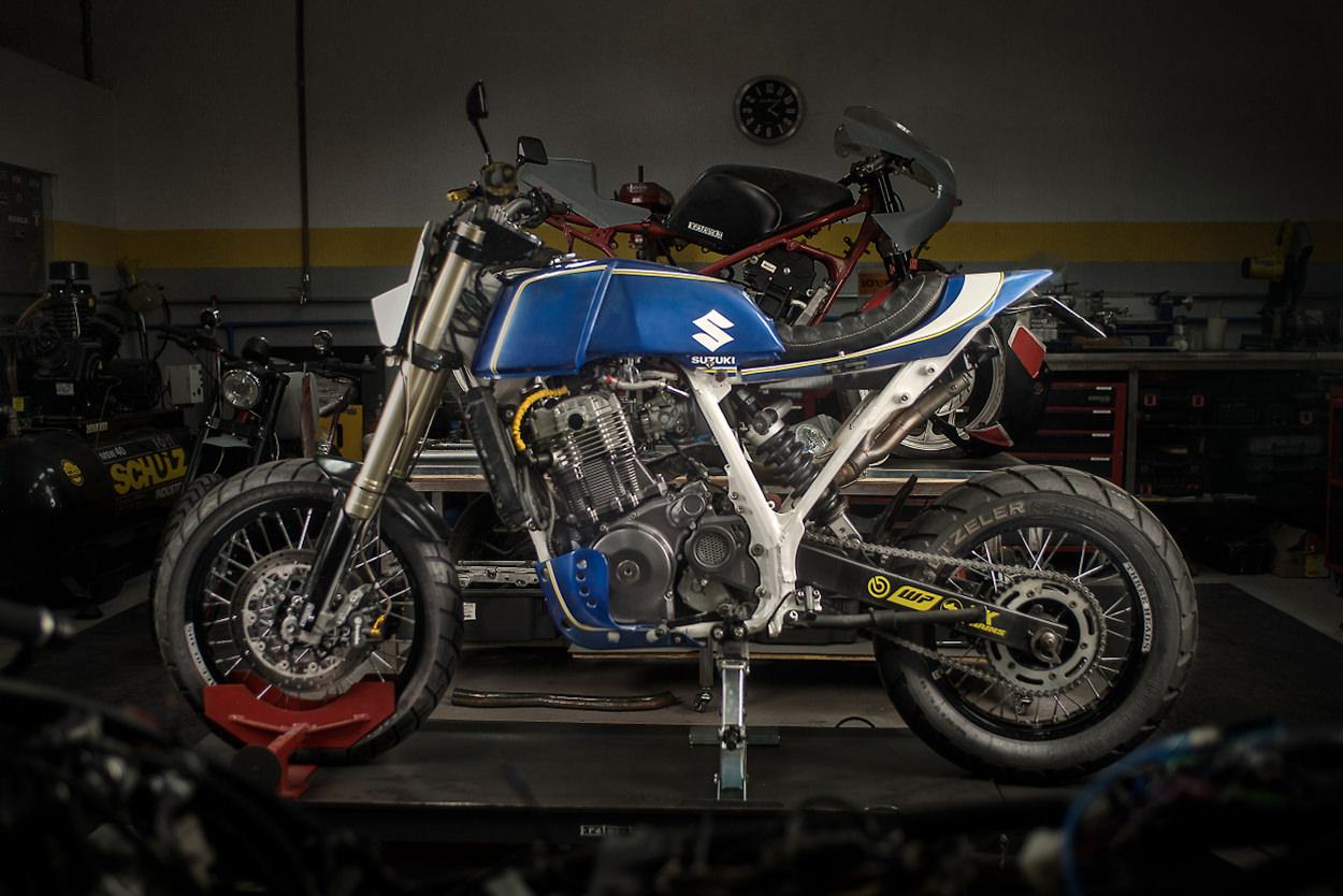 Custom Suzuki DR 800 S by Frateschi Garage