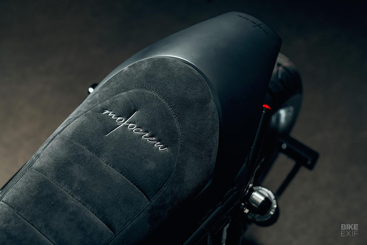 Custom 1998 Yamaha V-Max by Motocrew