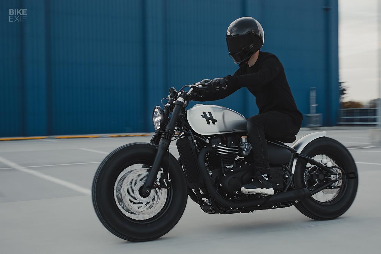 Custom Triumph Bobber Black by Hookie