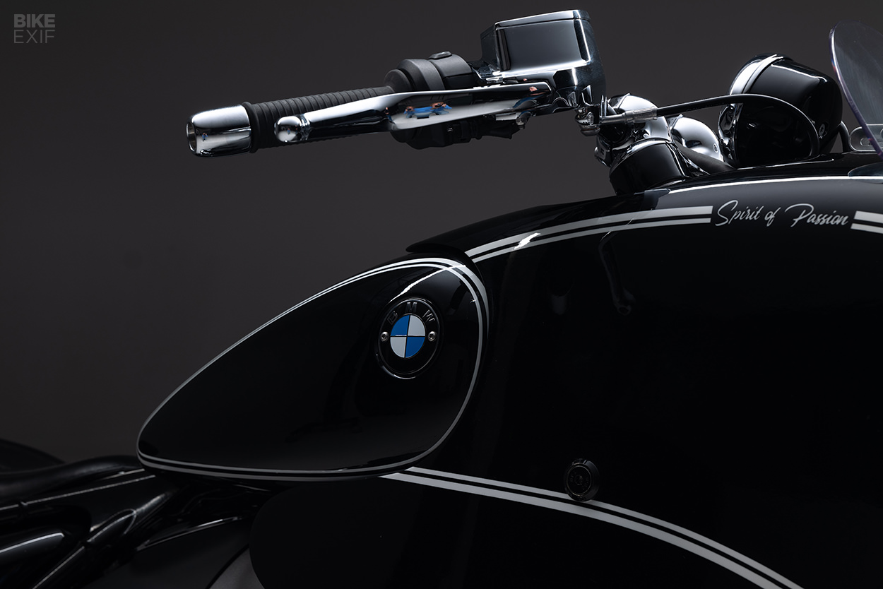 Custom BMW R18: Spirit Of Passion