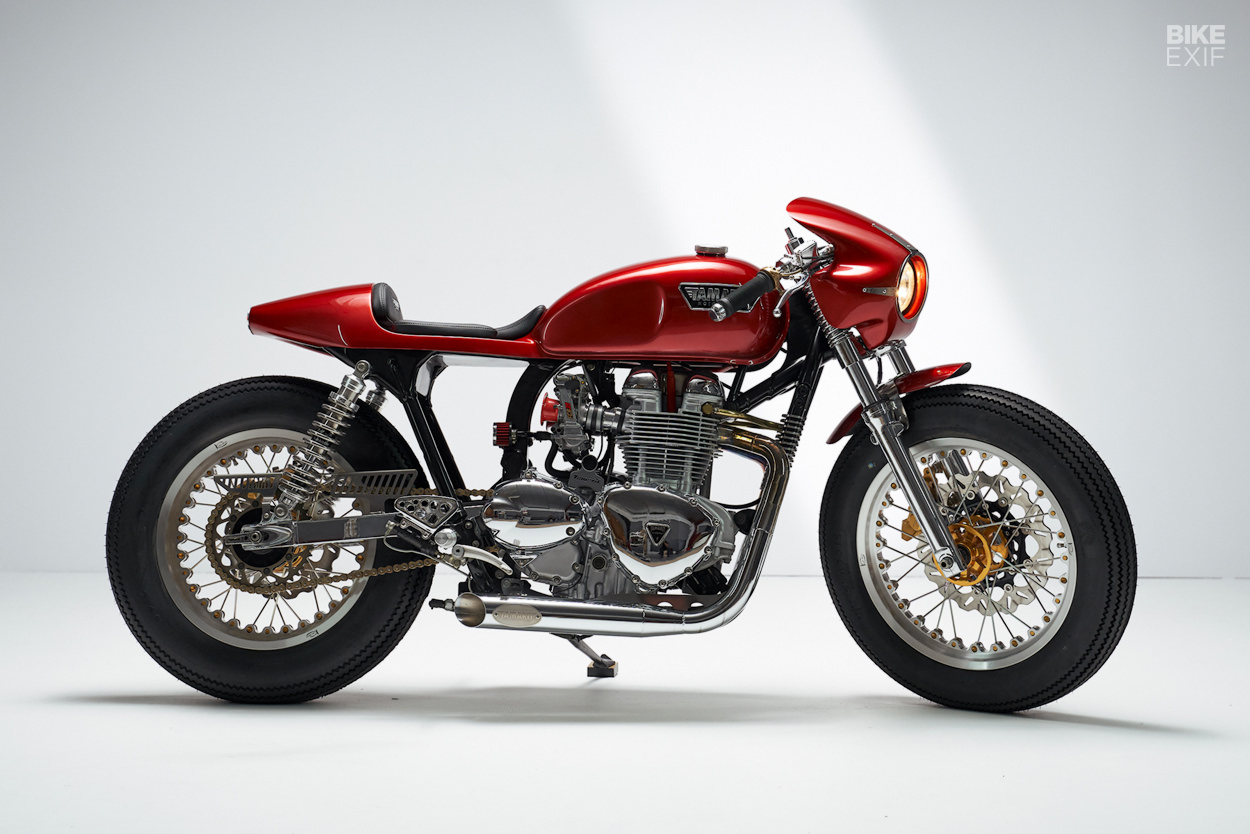 Triumph Thruxton Gullwing cafe racer by Tamarit