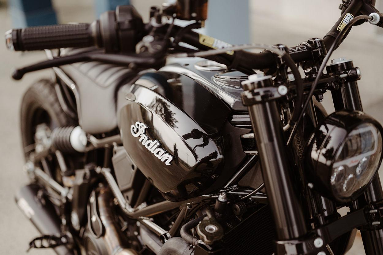 Custom Indian FTR 1200 by Sur Les Chapeaux De Roues