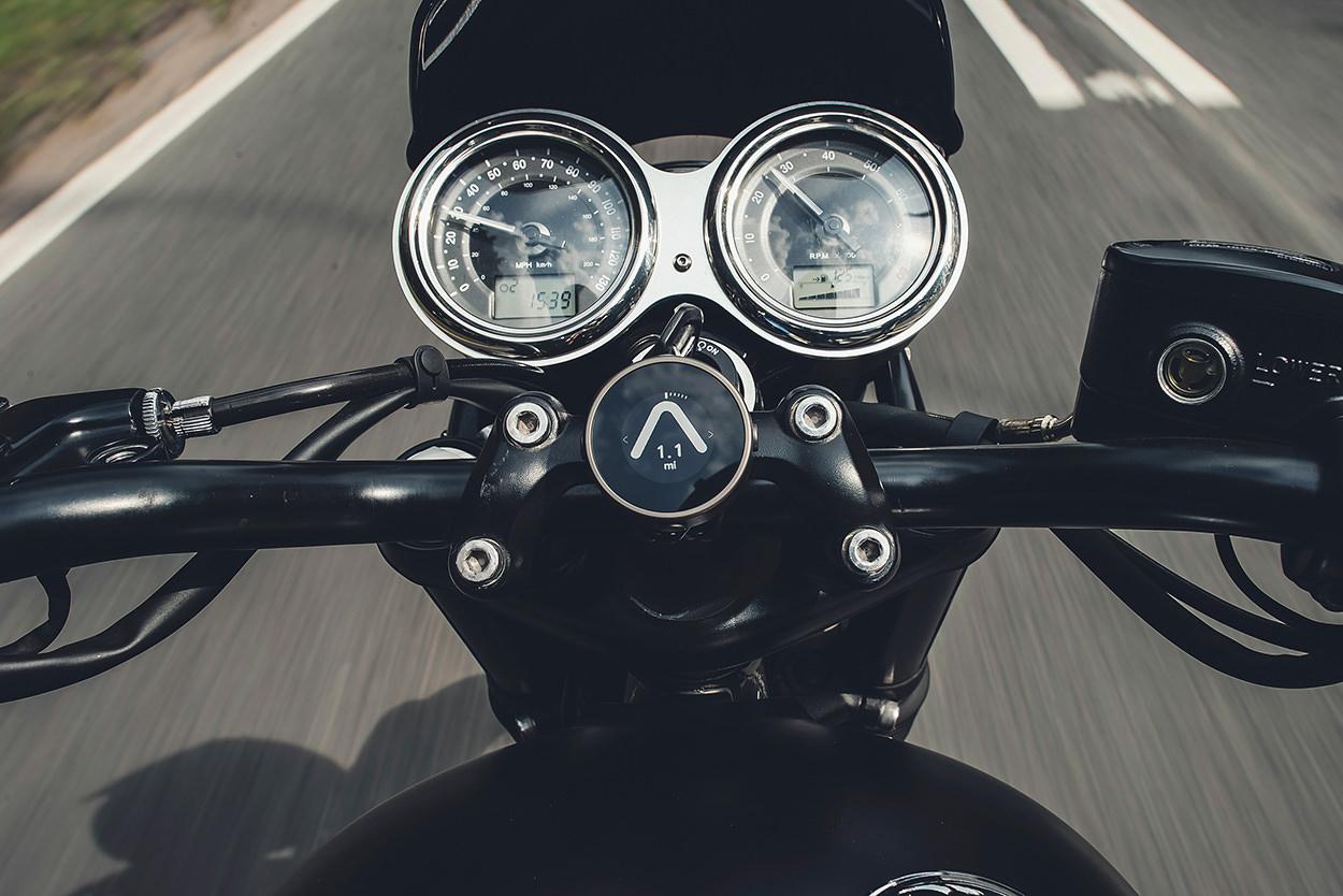 Beeline Moto navigation device