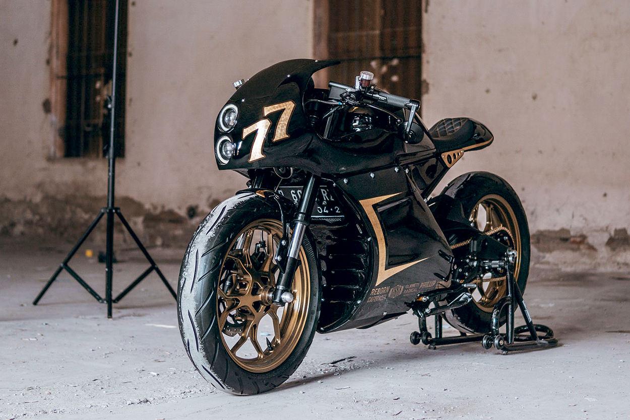 Custom Yamaha XSR155 cafe racer by Glanets MC
